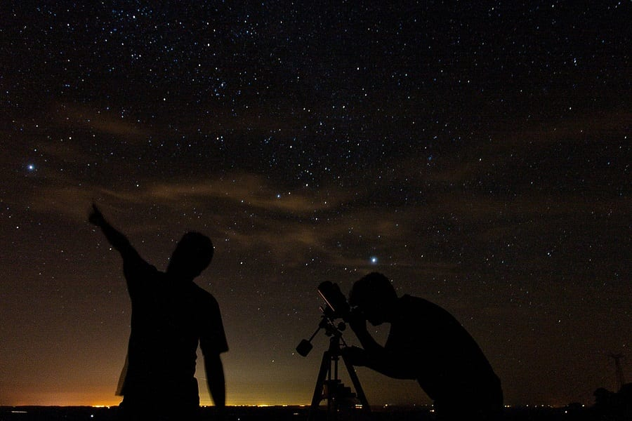 Astronomy 101: Learn How To Be An Amateur Astronomer