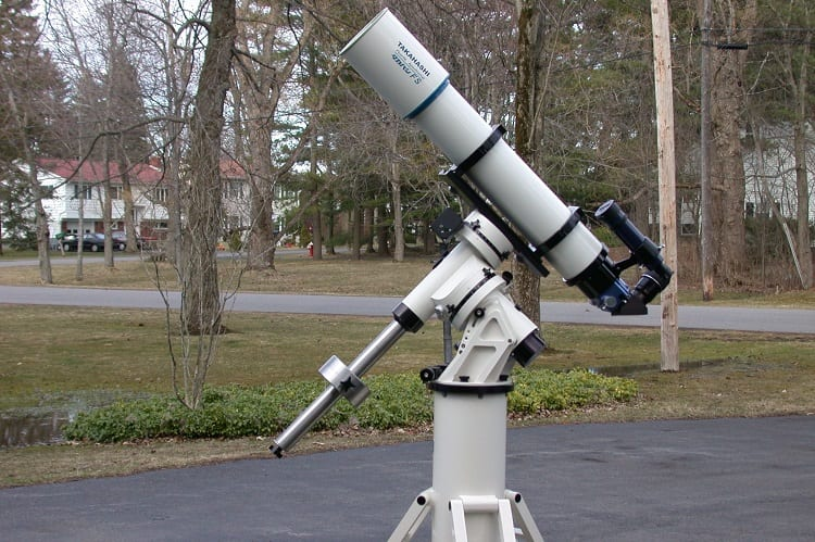 DO YOU NEED AN EQUATORIAL MOUNT FOR ASTROPHOTOGRAPHY?
