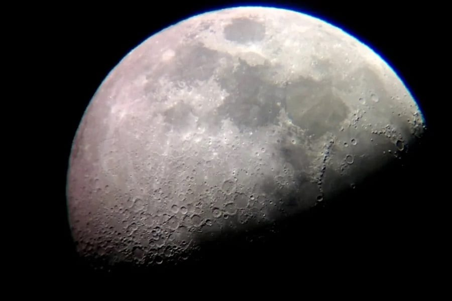 How To Take Photos Of The Moon The Right Way