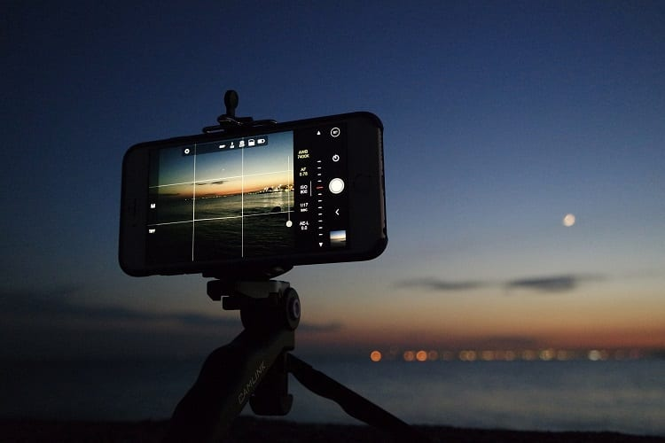 Can You Take Pictures Of The Moon With Your Phone?